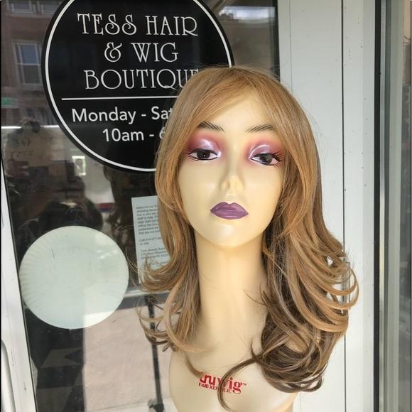 Blonde mix wig brand new bangs